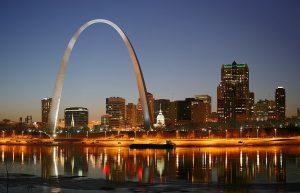 1024px-St_Louis_night_expblend